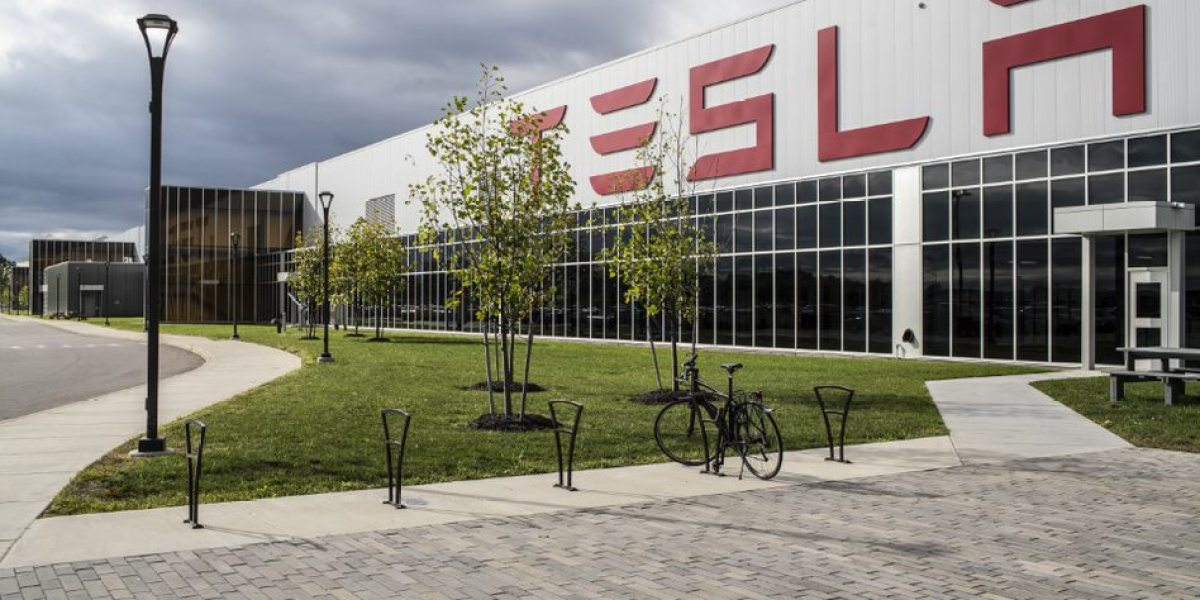 Tesla's trumpeted solar shingles are a flop