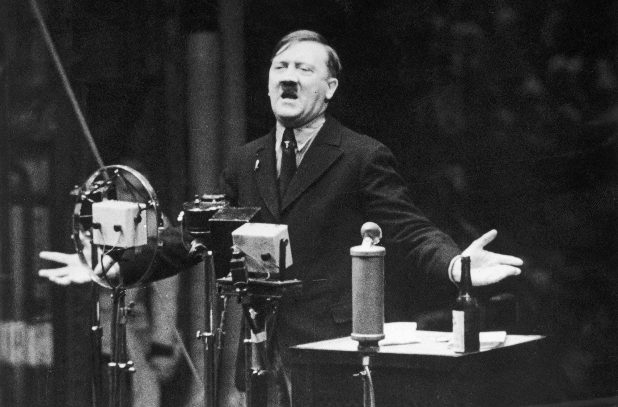 Vô Porno - Adolf Hitler e os Biscoitos - YouTube