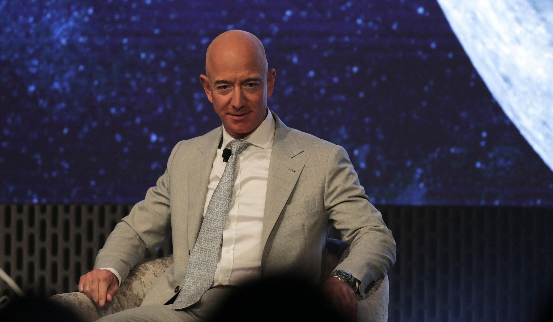 Bezos at space summit