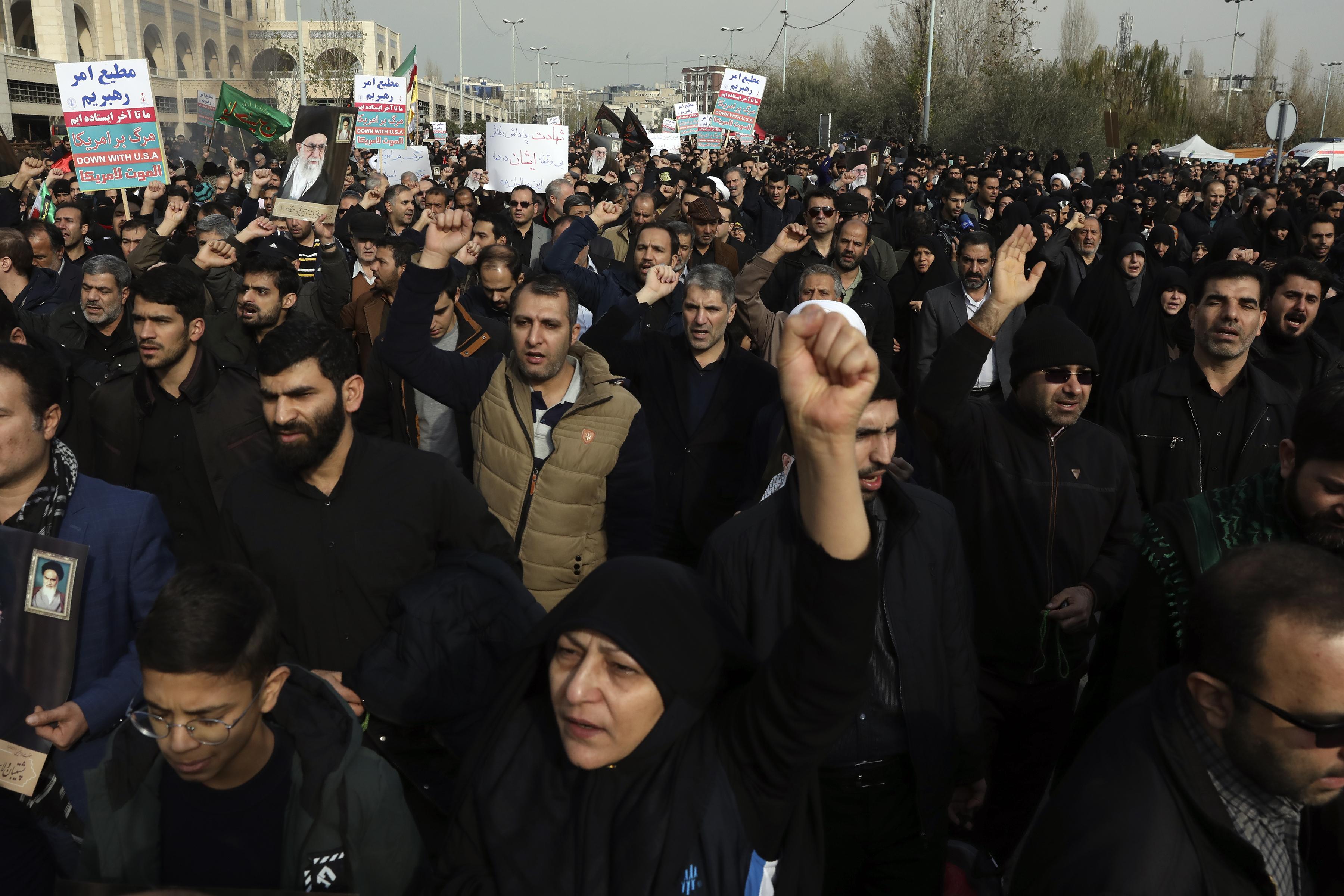Protesters iran Soleimani