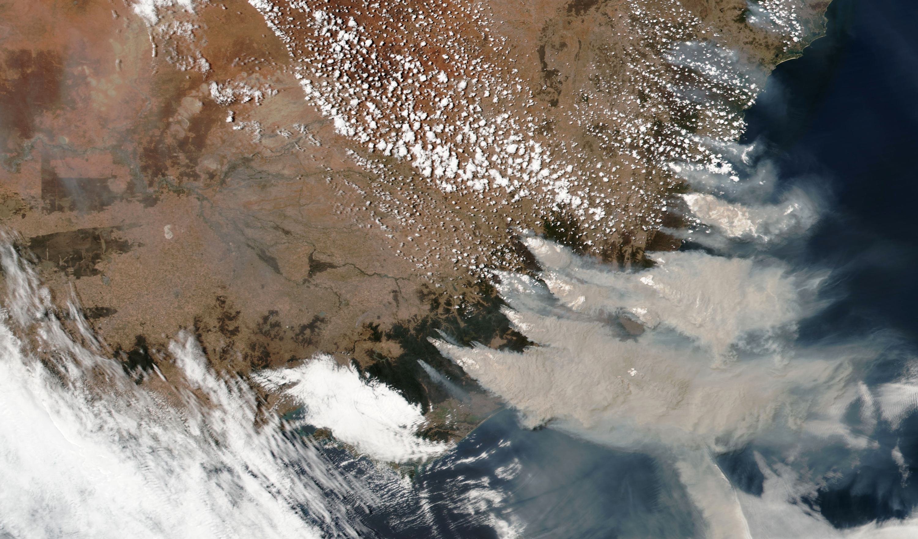 Satellite images over southeastern Australia show where wildfires are burning
