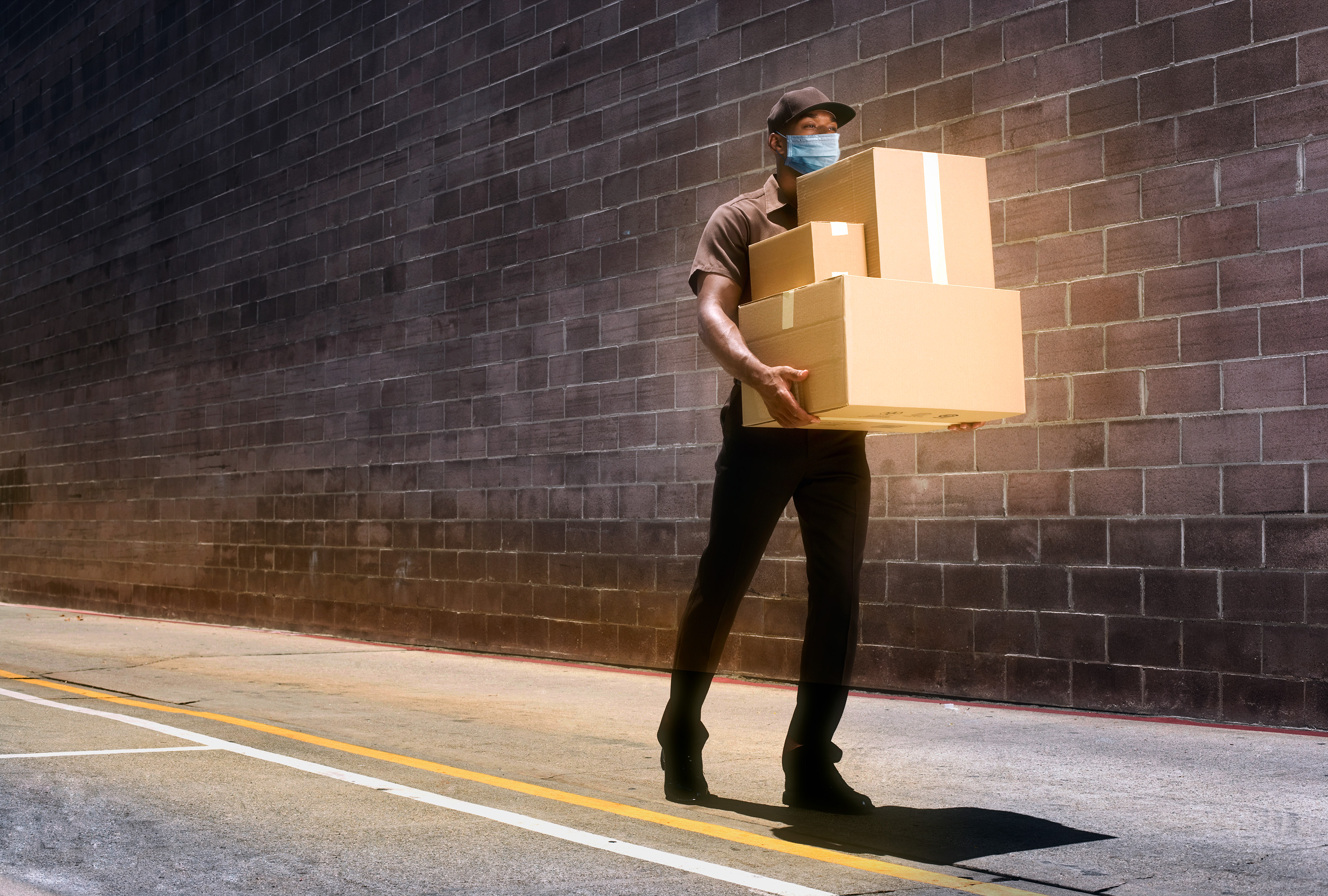 delivery guy wearing mask