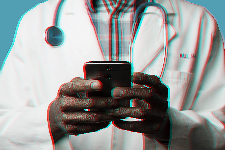doctor using social media