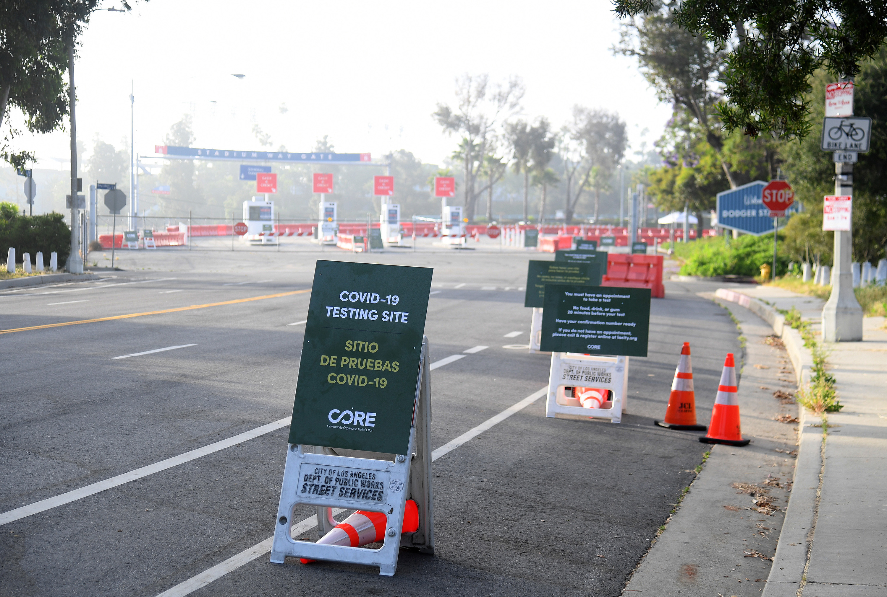 Drive Thru Coronavirus Testing Opens At Dodger Stadium In Los Angeles Mit Technology Review