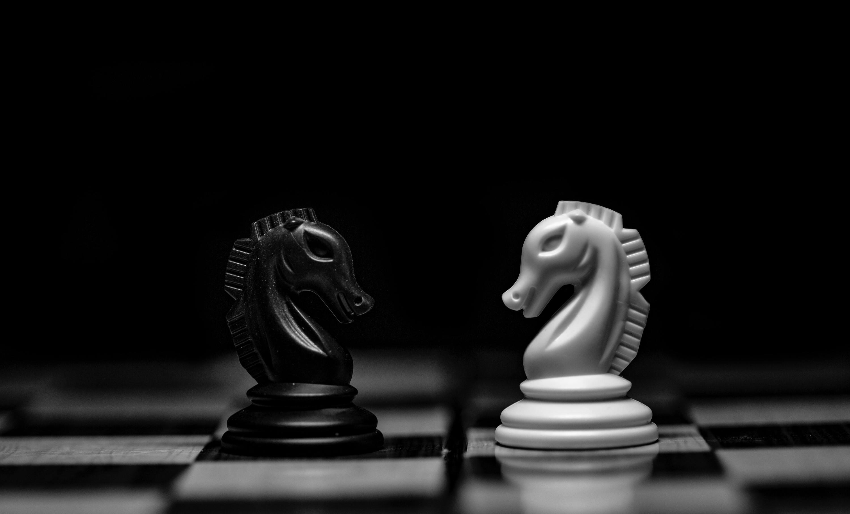 Fotografía conceptual del tablero de ajedrez