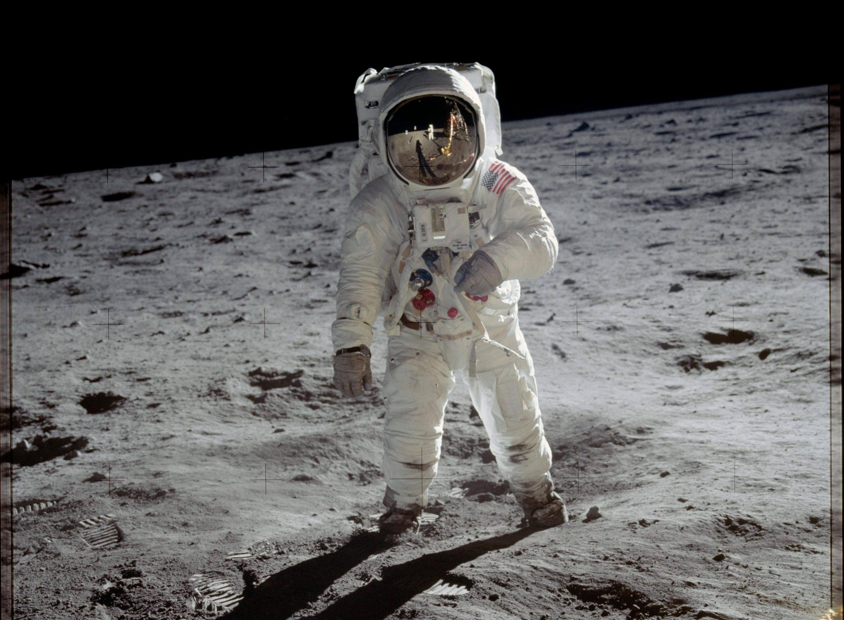 buzz aldrin traje espacial Nasa moon emu