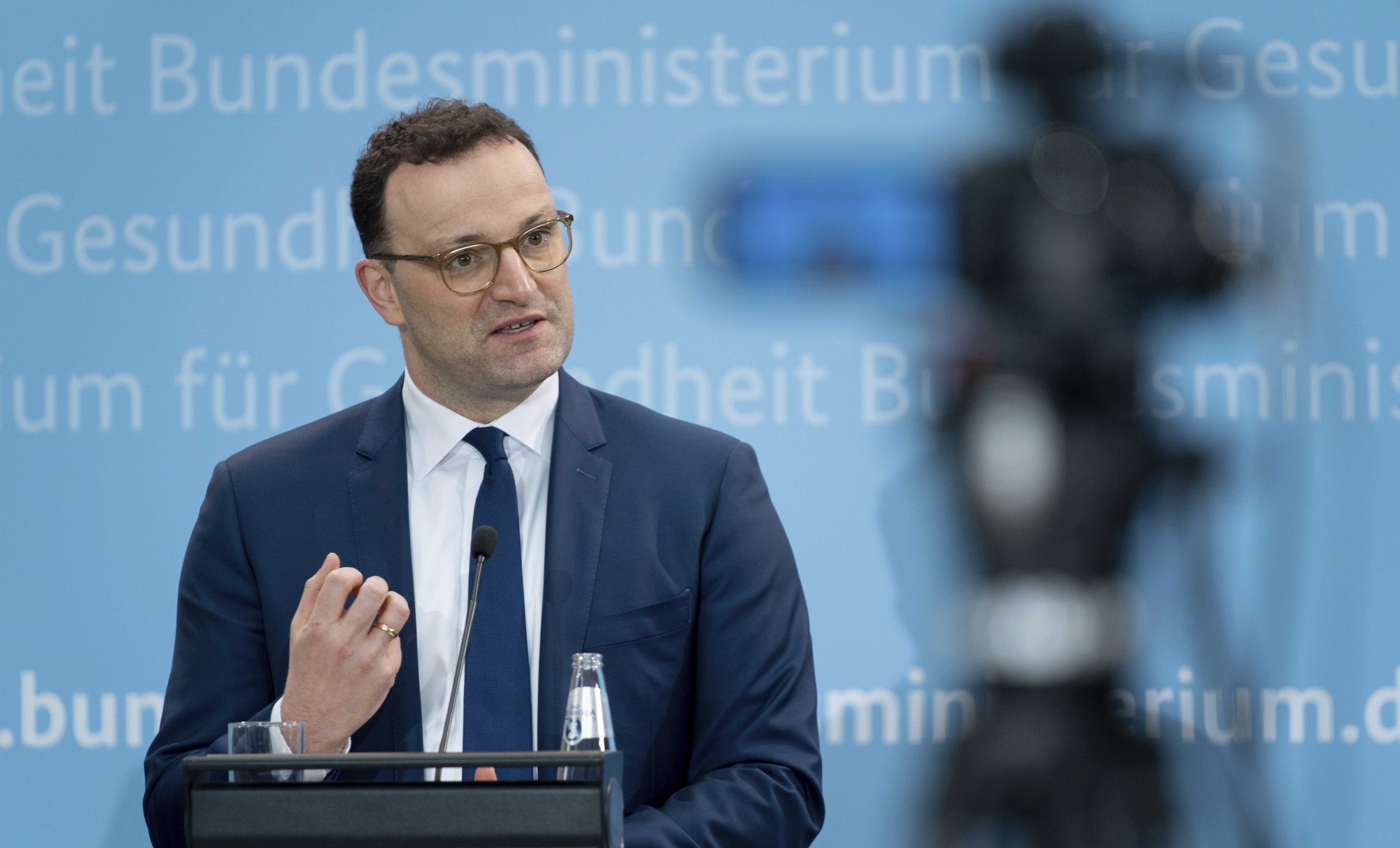 Jens Spahn (CDU), Federal Minister of Health, comments on the suspension of Astrazeneca's Corona vaccine at a press conference.