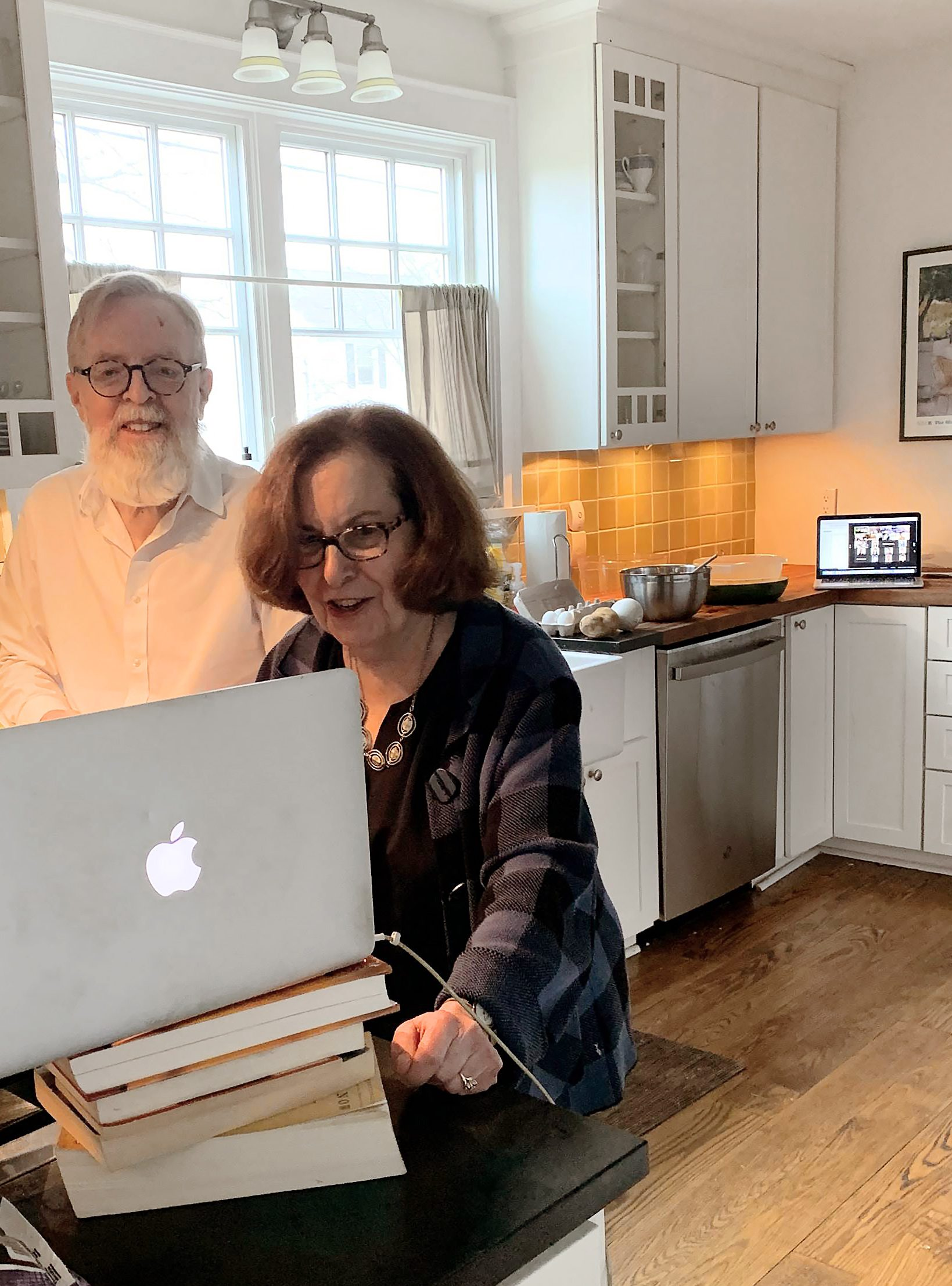 Professor Margery Resnick and her husband, Stephen Ault, teach the 2021 Spanish Incubator IAP class how to make tortilla española and espinacas a la catalana from their kitchen over Zoom.