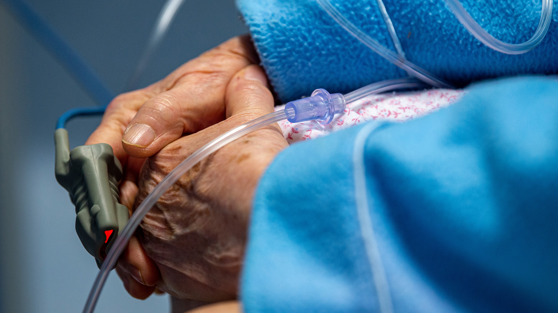 patient in covid ICU
